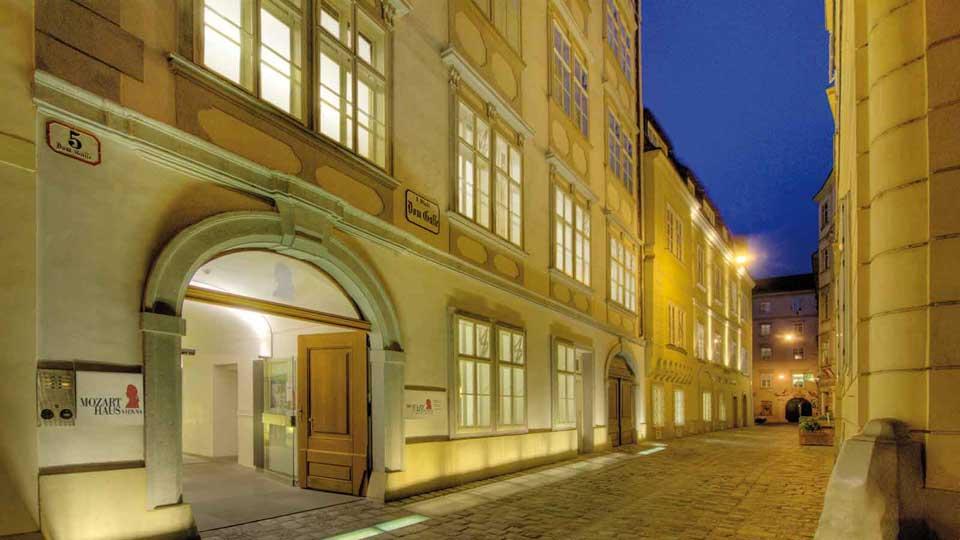 Mozarthaus_Vienna_Nachtaufnahme-c-MHV-Peters