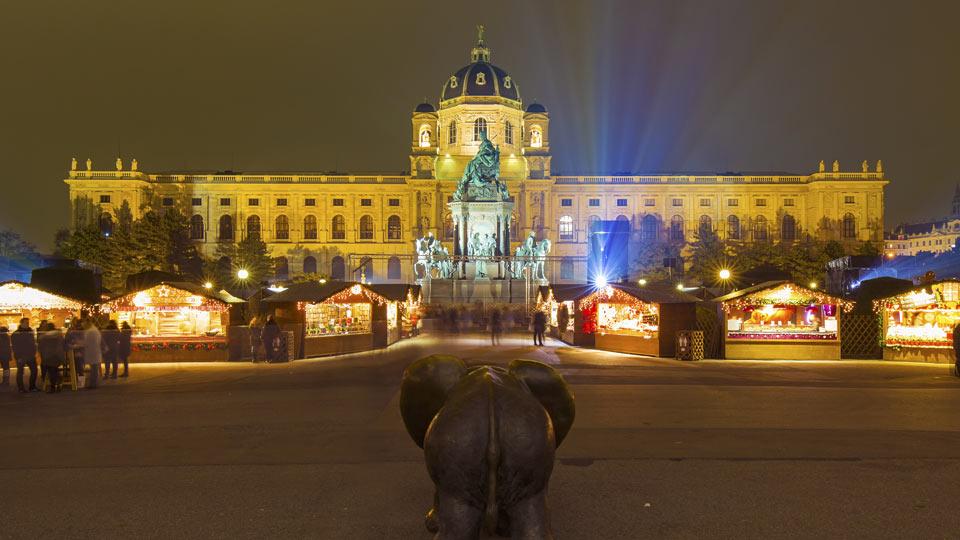 Weihnachtsdorf Maria-Theresien Platz